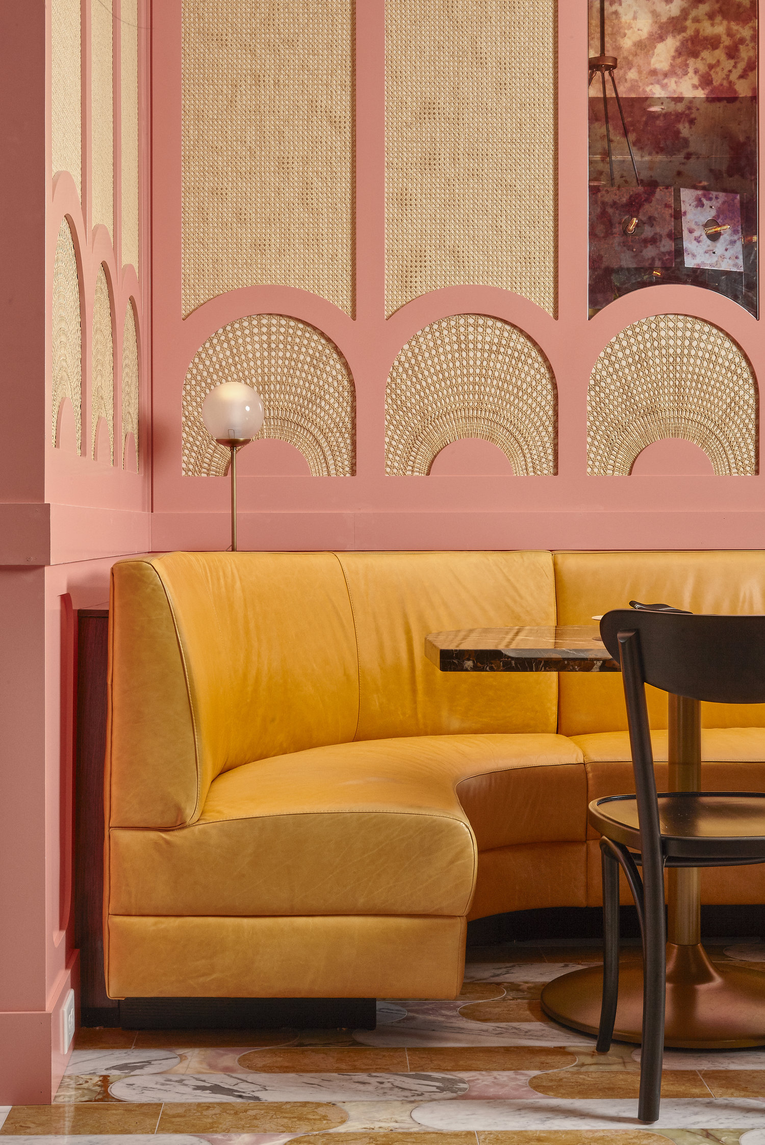 COLLECTION_ pink cafés around the world - via aupaysdesmerveillesblog - louie louie philadelphia