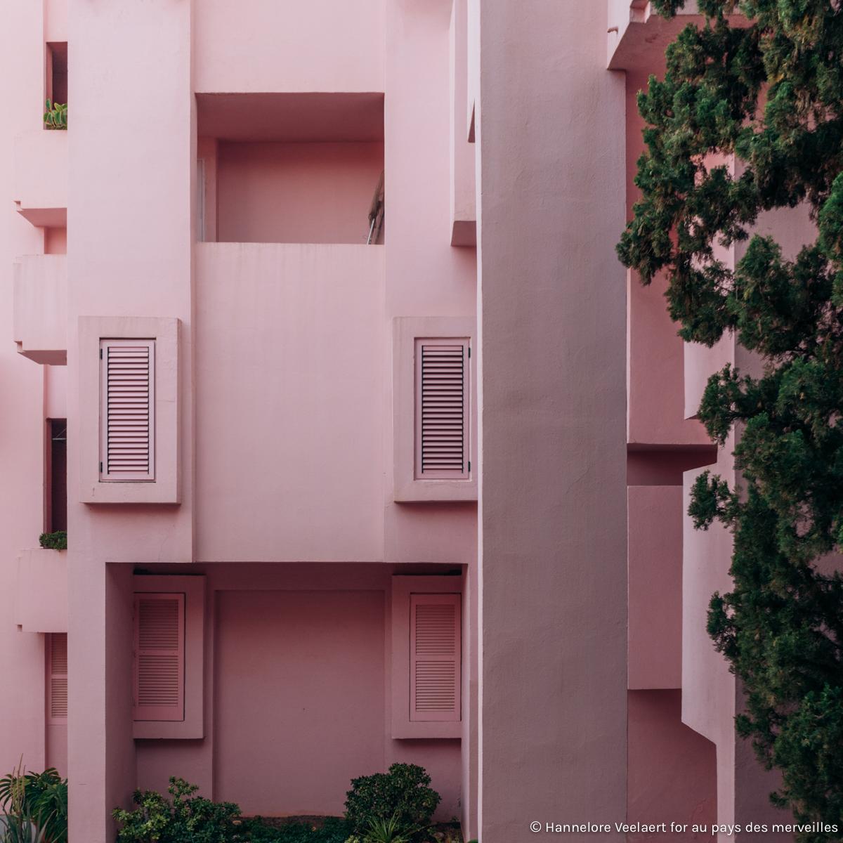 EXPLORED_ la muralla roja by Ricardo Bofill - Hannelore Veelaert for aupaysdesmerveillesblog.be